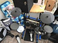 ROLAND TD6 Digital Drum kit inc sticks & kick pedal
