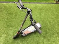 Kids electric scooter+charger,good condition