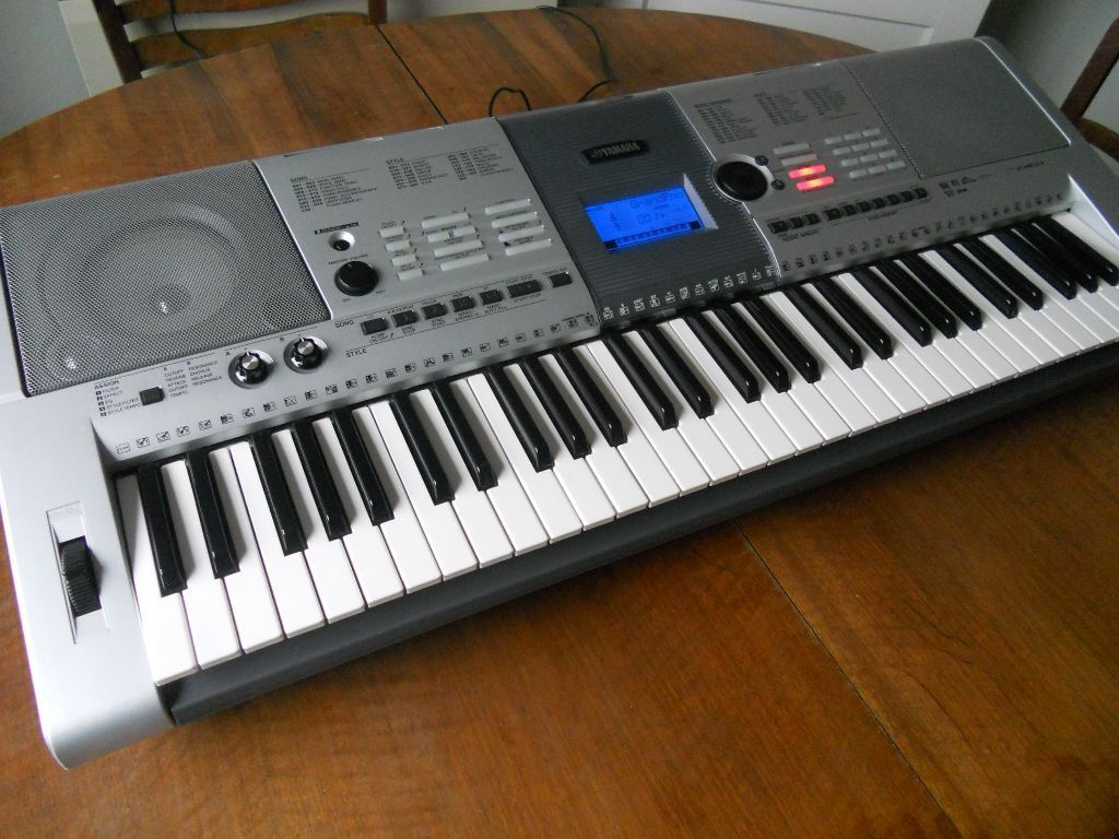 yamaha psr e403 electronic keyboard in very smart working condition in enfield london gumtree. Black Bedroom Furniture Sets. Home Design Ideas