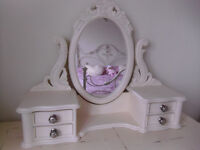 CREAM FREE STANDING DRESSING TABLE SWIVEL MIRROR AND SIDE DRAWERS
