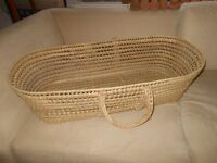 Large nice soft wicker baby cot Moses basket with carrying handles RRP £34