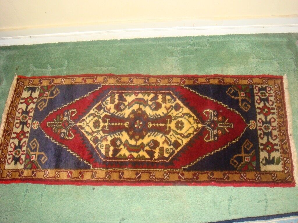 Hand Made Persian wool Rug 107cm x 45cm