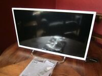White JVC 32'' LED HD TV with Freeview (4 months old) rarely used