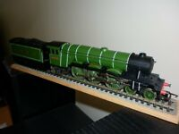 HORNBY OO GAUGE FLYING SCOTSMAN IN LOVELY CONDITION HAVING A NEWER BODY FITTED LOCO DRIVE