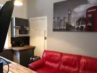 Newly refurbished 2 Bedrooms apartment by the Meadows. Perfect for Students