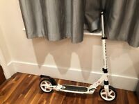 Adult kick Scooter (white) - (Smooth ride)
