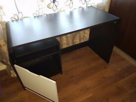 Modern Computer Desk With Storage Good Condition 40£
