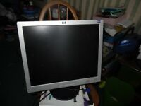 "HP monitor L1906 LCD 14 "" with power and graphic cables In Excellent working condition"