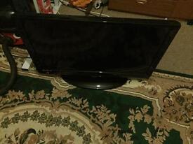 32 inch trchnika hd tv good condition hdmi and USB call or text thanks
