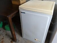 Chest freezer small size with fast freeze freeze control gwo can deliver local