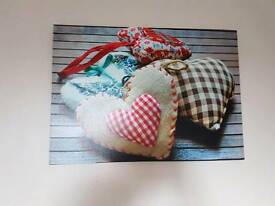 5 x canvas heart pictures