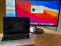 MacBook Pro High spec, 16gb ram, i7 2.8hhz