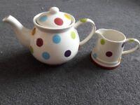 Typhoon teapot and matching milk jug