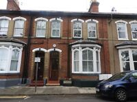 Lovely clean spacious one bed flat to let