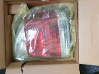 FOR SALE REAR LIGHT UNIT FOR VAUXHALL VECTRA C STILL IN BOX