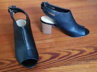 ladies black peep toe sandals UK size 4 (37)