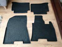 Hyundai Tucson rubber car mats
