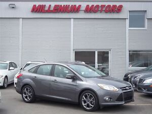 2013 Ford Focus SE / HEATED LEATHER / EASY FINANCING AVAILABLE