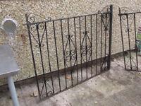 2x Iron Gates
