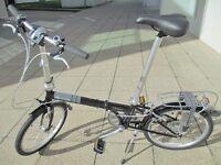 Dahon Folding Bike In Near New Condition Plus Pannier Bag & Lights