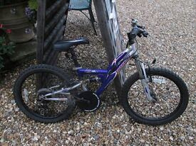 Boys bike - suitable for 6-9 years