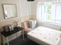 1 bedroom in Kenwyn Drive, Neasden, NW2