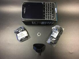 New condition Blackberry Classic Q20 full accessories warranty with receipt