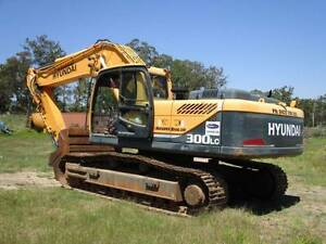 HYUNDAI 300LC Robex – 30Ton Excavator Park Ridge Logan Area Preview