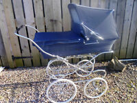 1970s Silver Cross carriage pram