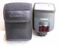Canon Speedlite 220EX Flash. Suits Canon Digital Cameras