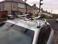 Alfa Romeo roof bars (Alfa branded) in silver - 2 x locking keys. Costs £235. Accept £100
