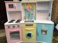 Toy cooker, hardly used, comes with accessories
