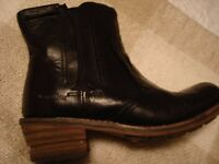 Ladies Caterpillar Leather Boots size 5