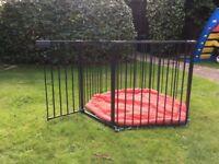 Baby Dan Park-A-Kid Playpen / Room Divider / Guard / Safety Gate - Mat included - Black