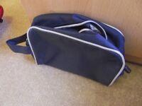 GENT'S BLUE WASH BAG