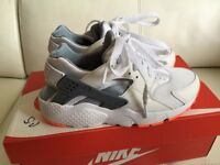 Nike Huarache unisex trainers size 4/36.5