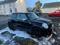 Mini Cooper Black 1600cc petrol