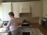 SHAKER STYLE FITTED KITCHEN INCLUDING NEFF APPLIANCES - VERY GOOD CONDITION