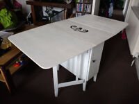 Foldable table white