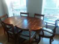 Table with 6 chairs pine