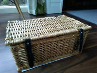 Whicker picnic basket / Hamper - Brand new.