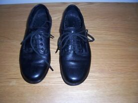 HOTTER Stream black leather size 4 ladies flat/workwear/lace-up shoes.
