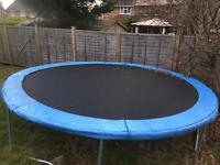 14 foot trampoline with safety net