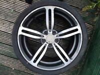 19 inch Alloy Wheel for sale.