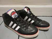 Mens Adidas Originals Trainers SIZE 8 Black White Red - BARGAIN ONLY £10