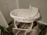 Lovely rocking moses basket