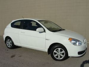 2009 Hyundai Accent Hatchback. 5 speed manual! Only167000 Km!