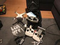 DJI Phantom 3 Standard - 20 min total flight time - 2 controllers