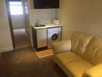 Self Contained Annex to let, Broadfield, Crawley, bills included, available NOW