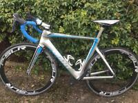 Giant full carbon road bike